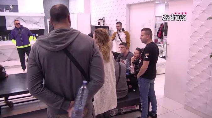 SVAĐA OKO ZADATKA! Zadrugari neodlučni oko režisera za spotove, Tara i Cvele ušli u klinč! (VIDEO)
