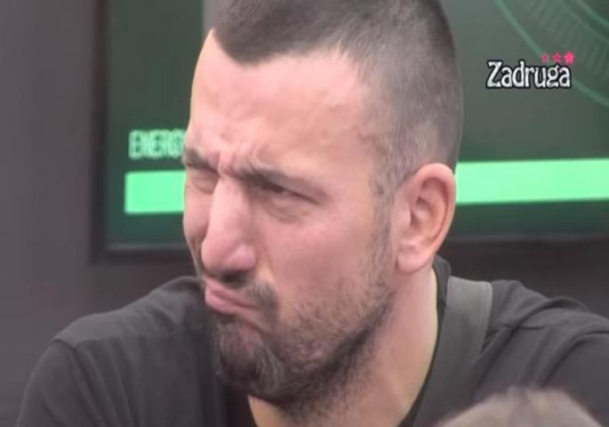 """""""IMPOTENTNI RETARD OD 40 GODINA!"""" Brutalne prozivke na račun Vladimira Tomovića """"M'rš u p*čku materinu"""""""
